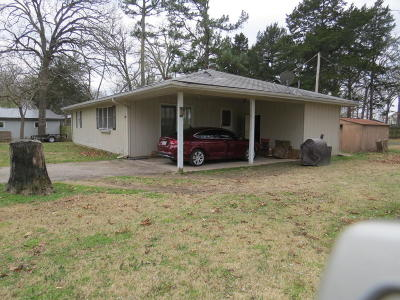 Grove Single Family Home For Sale: 25961 S 621 Rd