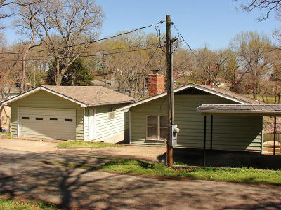 Grove OK Single Family Home For Sale: $175,000