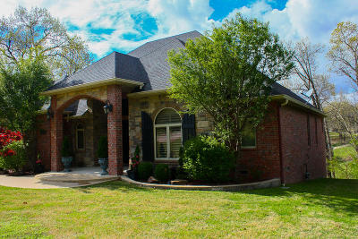 Grove Single Family Home For Sale: 3402 Callie Dr