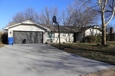 Miami Single Family Home For Sale: 1330 Maple Drive