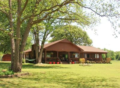 Grove OK Single Family Home Sale Pending: $435,000