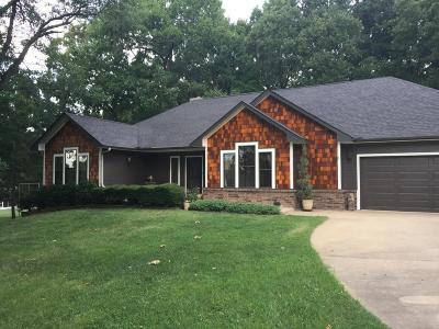 Grove Single Family Home For Sale: 1611 Dilar Drive