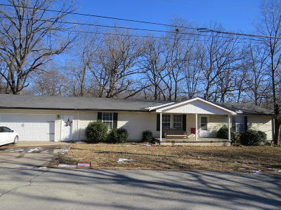 Grove Single Family Home For Sale: 1303 Wood St