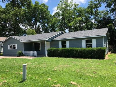 Grove Single Family Home For Sale: 1518 W 80th St