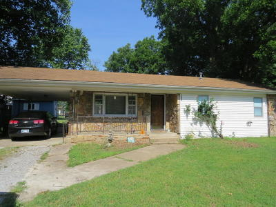 Grove Single Family Home For Sale: 1008 S Mill St