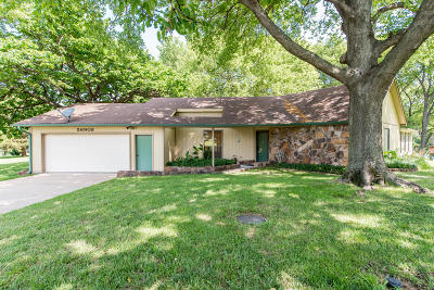 Monkey Island Single Family Home For Sale: 56908 E Maple Ridge