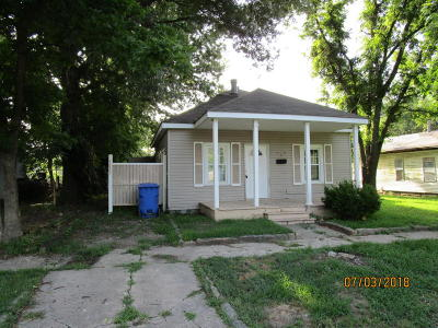 Miami Single Family Home For Sale: 407 C St