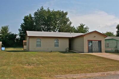 Grove Single Family Home For Sale: 514 E 5th Pl