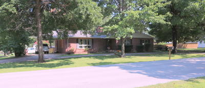 Grove Single Family Home For Sale: 701 S Mill St