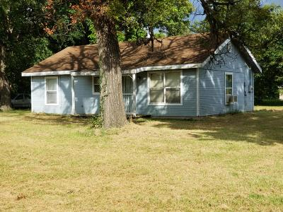 Vinita Single Family Home For Sale: 320 N Adair St
