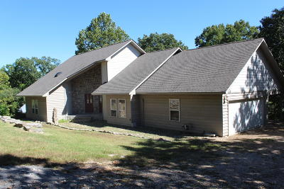 Grove OK Single Family Home For Sale: $229,000