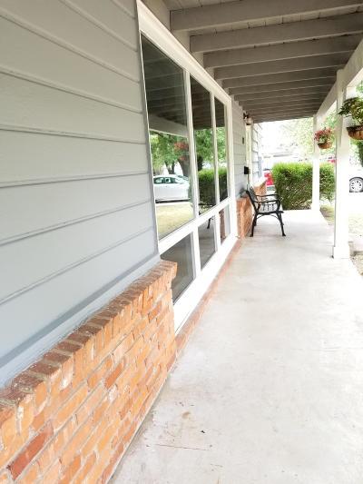 Vinita Single Family Home For Sale: 450 N Miller St