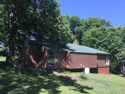 Delaware County, Mayes County, Rogers County, Wagoner County, Craig County, Ottawa County, Adair County, Cherokee County Single Family Home For Sale: 526 Murray Ln