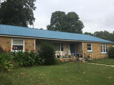 Grove Single Family Home For Sale: 61900 E 270 Rd