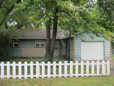 Grove Single Family Home For Sale: 523 E 4th Pl