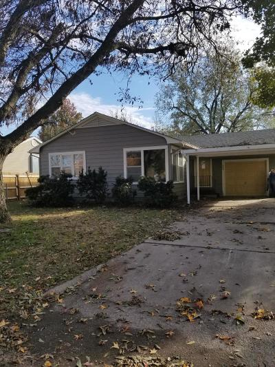Delaware County, Mayes County, Rogers County, Wagoner County, Craig County, Ottawa County, Adair County, Cherokee County Single Family Home For Sale: 303 16th Ave