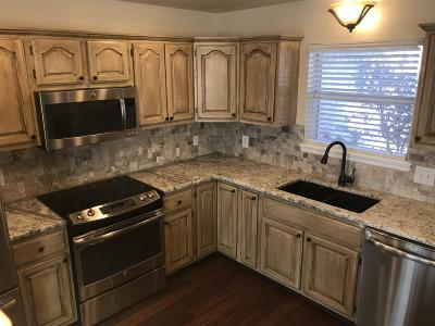 Grove, Jay Single Family Home For Sale: 608 E 10th St