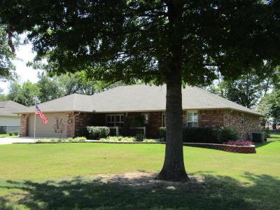 Grove Single Family Home For Sale: 700 E 10th St