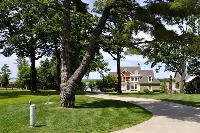 Grove Single Family Home For Sale: 59406 E 288 Pl