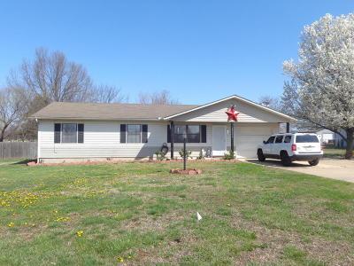 Grove Single Family Home For Sale: 62054 E 286 Rd