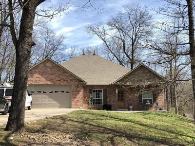 Grove, Jay Single Family Home For Sale: 1605 Kayla St
