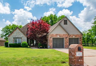 Grove, Jay Single Family Home For Sale: 419 Fairway Cir