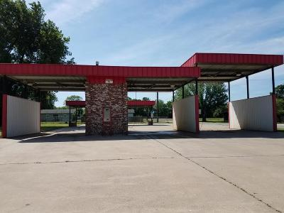 Delaware County, Mayes County, Rogers County, Wagoner County, Craig County, Ottawa County, Adair County, Cherokee County Commercial For Sale: 411 W Conner Ave