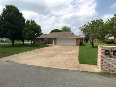 Grove, Jay Single Family Home For Sale: 609 E 10th St