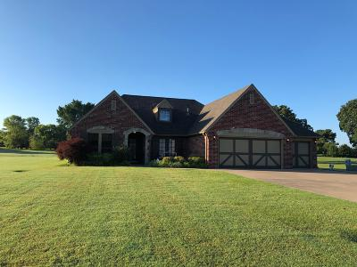 Grove Single Family Home For Sale: 5026 Lake Breeze Rd