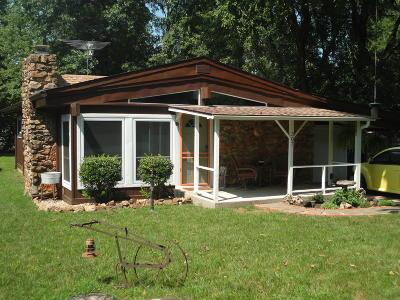 Grove Single Family Home For Sale: 307 E 6th Street