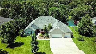 Grove Single Family Home For Sale: 3400 Callie Dr
