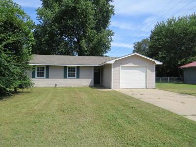 Grove Single Family Home For Sale: 603 E 4th Street