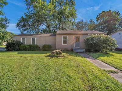 Vinita Single Family Home For Sale: 601 W Tahlequah Ave