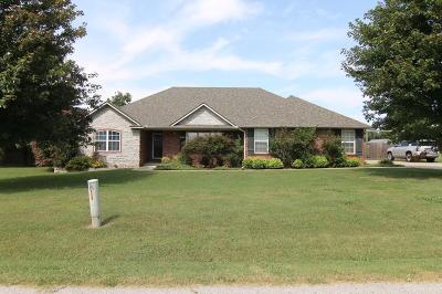 Grove Single Family Home For Sale: 1901 Estates Dr
