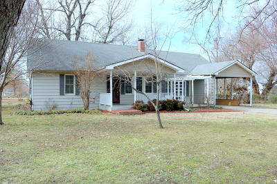 Grove Single Family Home For Sale: 712 S Mill St