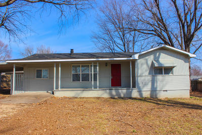 Grove Single Family Home For Sale: 3644 Circle Dr Pl