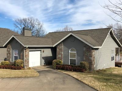 Delaware County, Mayes County, Rogers County, Wagoner County, Craig County, Ottawa County, Adair County, Cherokee County Single Family Home For Sale: 30397 S 567 Rd #30C