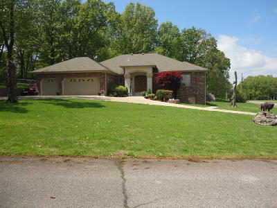 Grove, Jay Single Family Home For Sale: 3110 Old Dike Road