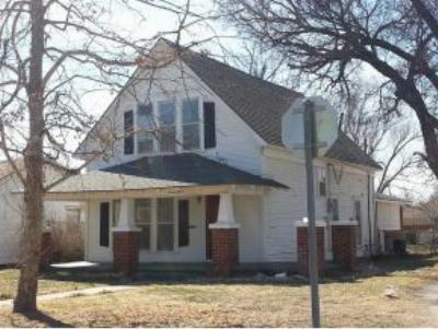 Single Family Home Sold: 715 N Oklahoma