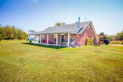 Perkins OK Single Family Home For Sale: $227,000