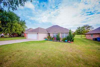 Perkins Single Family Home For Sale: 304 N Fairway Drive