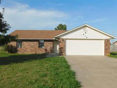 Stillwater Single Family Home For Sale: 916 W Choctaw Lane