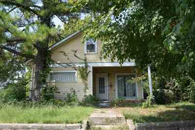 Cushing Single Family Home For Sale: 231 S Cleveland Avenue