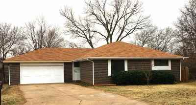 Stillwater Single Family Home For Sale: 911 Sunnybrook Court