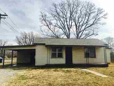 Single Family Home For Sale: 322 N Main Street