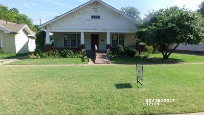 Cushing Single Family Home For Sale: 727 E Moses Street