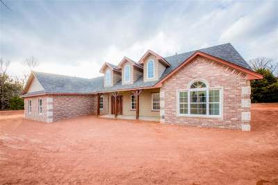 Perkins OK Single Family Home For Sale: $259,900
