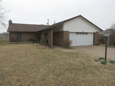 Stillwater Single Family Home For Sale: 1415 E Willham Dr.
