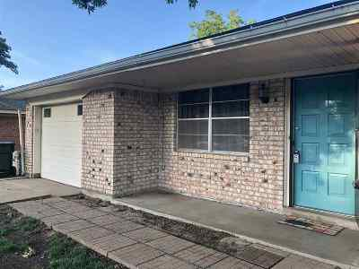 Cushing Single Family Home For Sale: 916 Hillcrest Drive