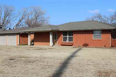 Stillwater Single Family Home For Sale: 205 N Jardot Road